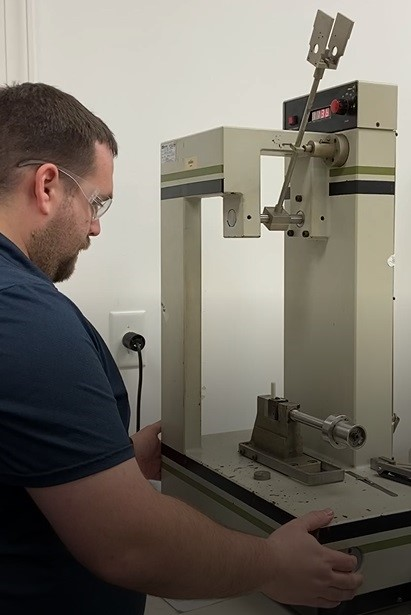 Image 6: Izod impact test apparatus